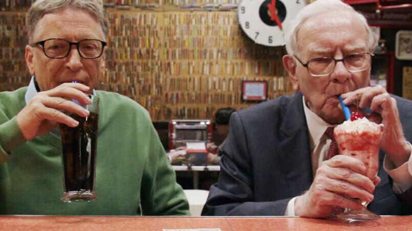 Миллиардеры Билл Гейтс и Уоррен Баффет не уходят на пенсию